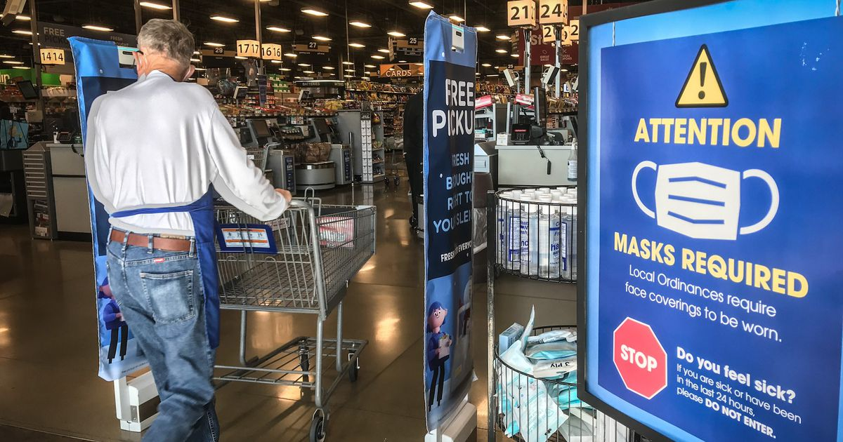 Kroger to continue requiring face masks in stores