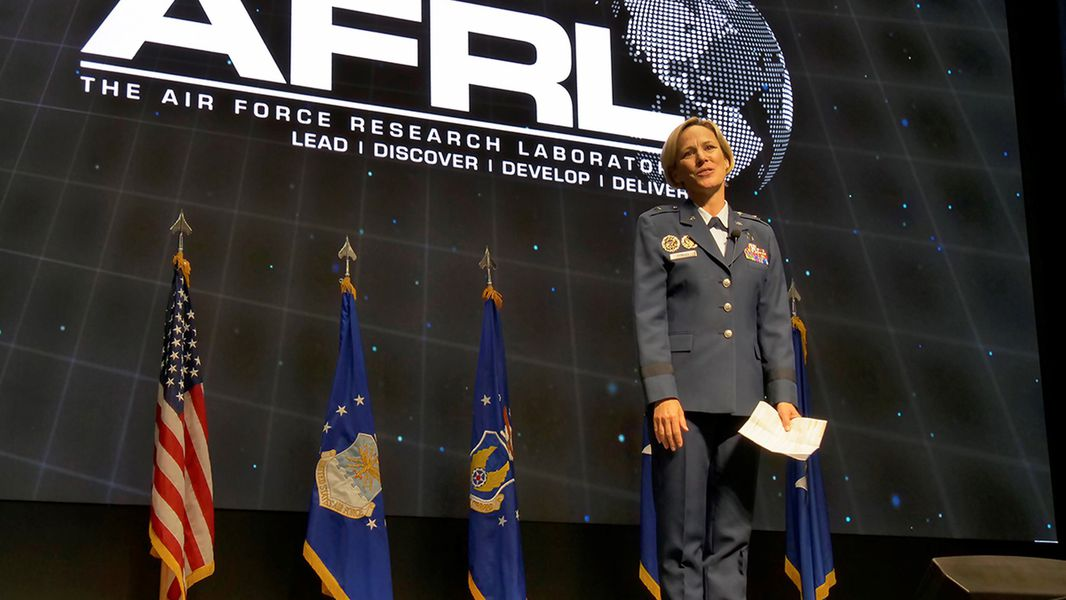 Air Force Research Laboratory welcomes new commander