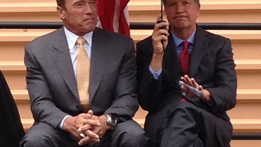 Schwarzenegger Says Kasich Should Run For President In 2020