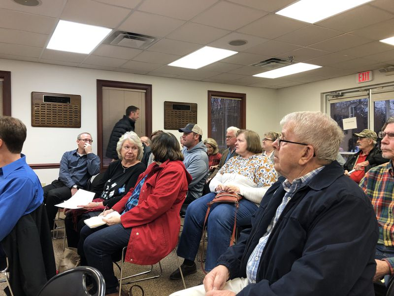Residents crowded a Clearcreek Twp. meeting where a rezoning sought by Oberer Land Developers was unanimously rejected. STAFF/LAWRENCE BUDD