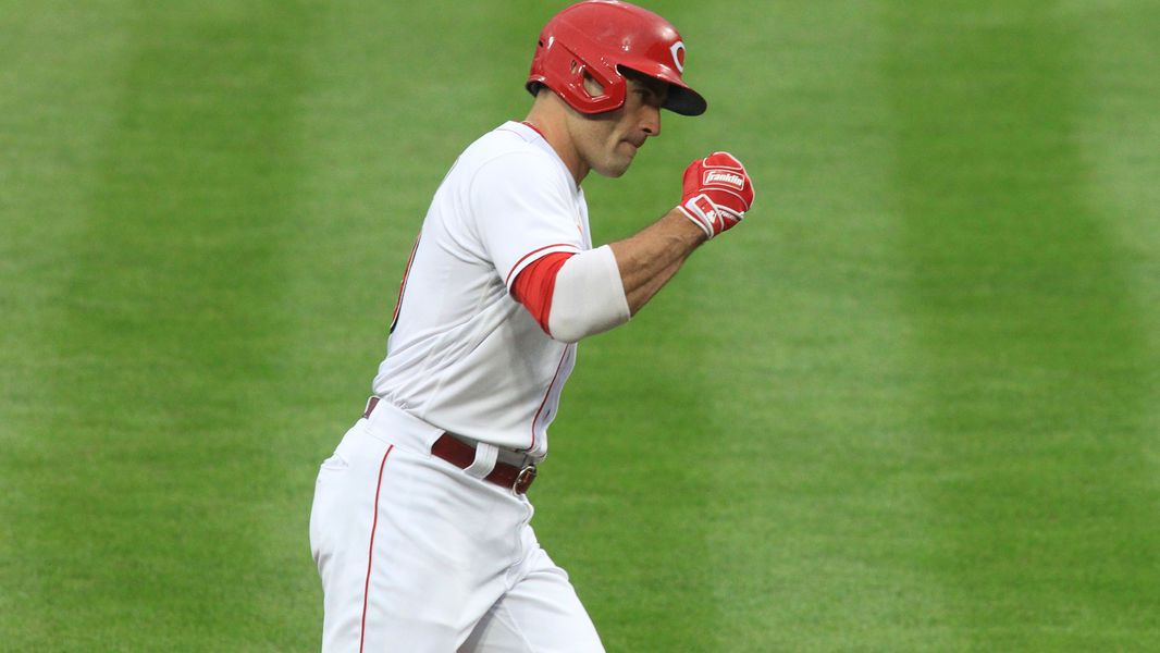 Votto returns from injured list as Reds finalize Opening Day roster